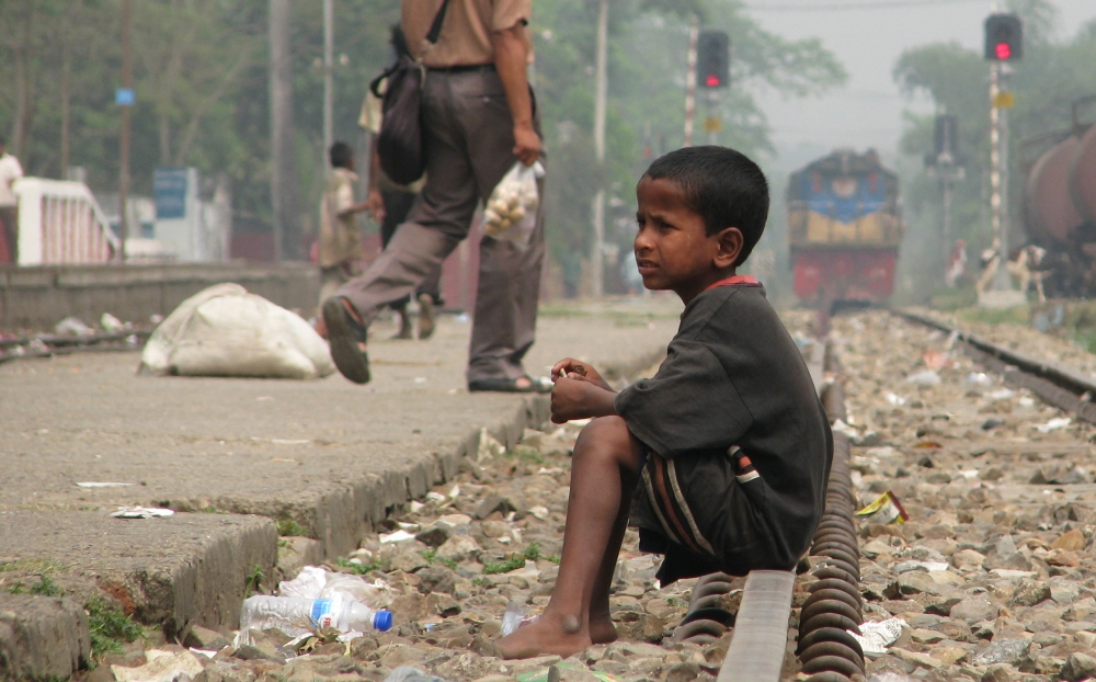 Street_Child,_Srimangal_Railway_Station.jpg